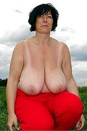 granny_big_boobs34.jpg