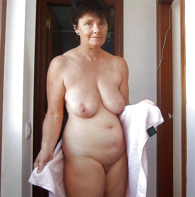 Am Meisten Angesehen Videos skinny granny - tubegoldxxx