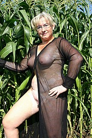 granny-big-boobs003.jpg