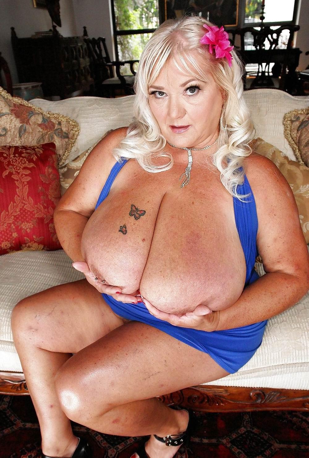 Mature granny big boobs