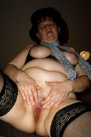 granny-big-boobs018.jpg