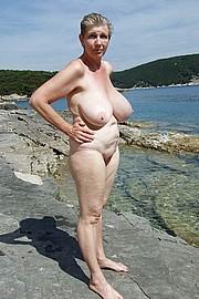 granny-big-boobs042.jpg