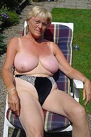 granny-big-boobs090.jpg