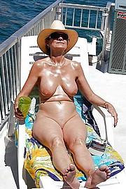 granny-big-boobs100.jpg