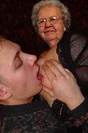 granny-big-boobs225.jpg