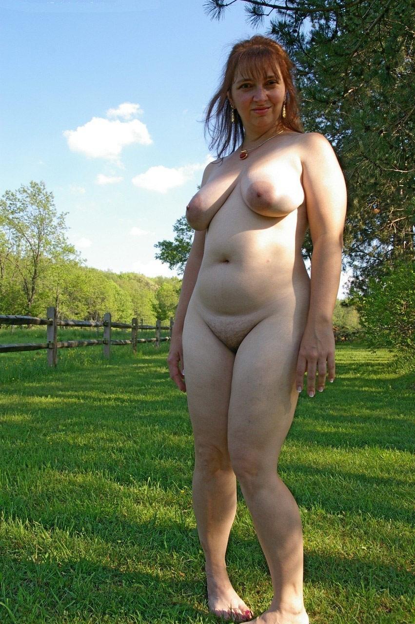 Mature bbw nudist pics