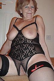 sexy-granny004.jpg