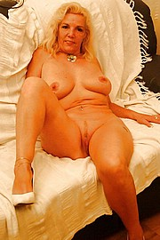 sexy-granny028.jpg