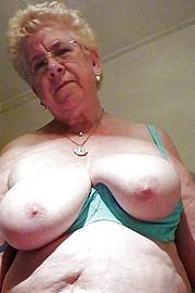porn_granny07.jpg
