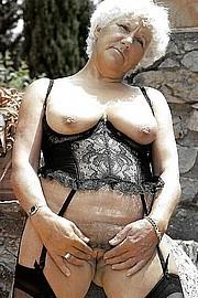 grannie-blow-jobs24.jpg