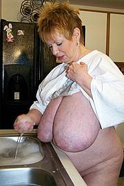 granny-sex130.jpg
