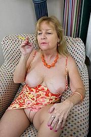granny-sex190.jpg