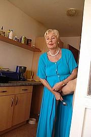 granny-sex298.jpg