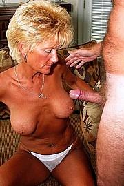 granny-sex310.jpg
