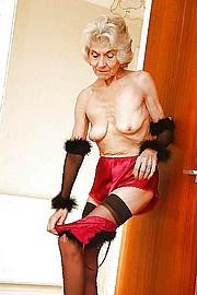 granny-sex320.jpg