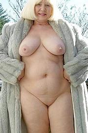 granny-sex330.jpg