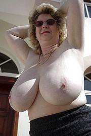 granny-sex370.jpg