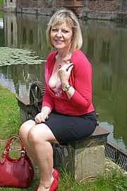 granny-sex385.jpg