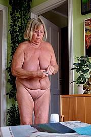 granny-sex422.jpg