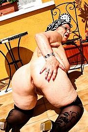 granny-sex488.jpg