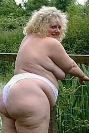 granny-sex490.jpg