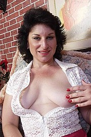 mature-granny-bitch03.jpg
