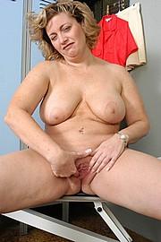 mature-granny-fat007.jpg