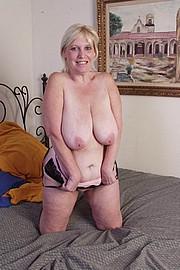 mature-granny-sluts43.jpg