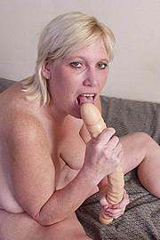 mature-granny-sluts49.jpg