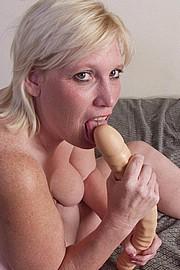mature-granny-sluts50.jpg