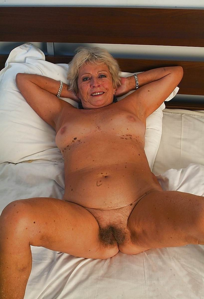 Hot mature spreading nude are not