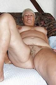 big_granny_pussy496.jpg