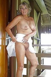 big_granny_pussy419.jpg