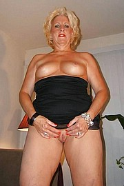 big_granny_pussy410.jpg