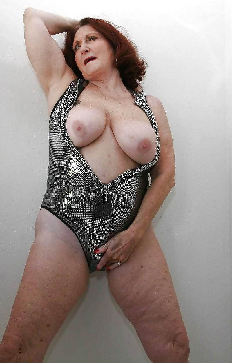 Granny Pussy Photo 37