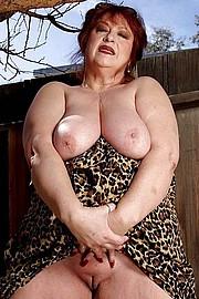 big_granny_pussy390.jpg
