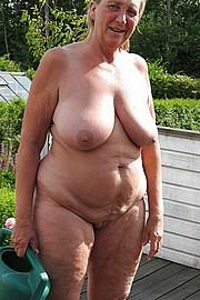 big_granny_pussy383.jpg
