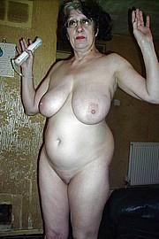 big_granny_pussy384.jpg