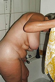 big_granny_pussy386.jpg