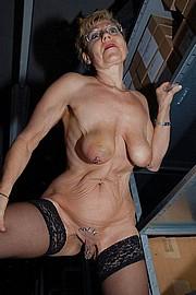 big_granny_pussy387.jpg
