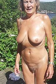 big_granny_pussy380.jpg