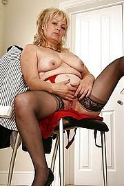big_granny_pussy370.jpg