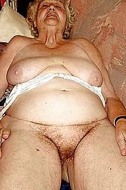 big_granny_pussy365.jpg