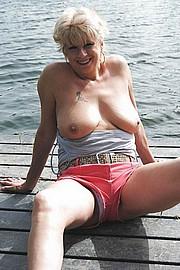 big_granny_pussy484.jpg