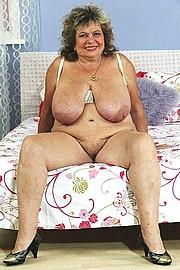 big_granny_pussy325.jpg