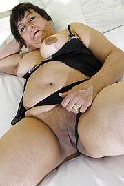 big_granny_pussy305.jpg