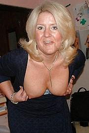 big_granny_pussy300.jpg