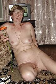 big_granny_pussy290.jpg