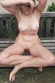 big_granny_pussy250.jpg