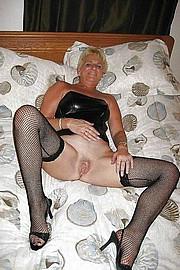 big_granny_pussy225.jpg